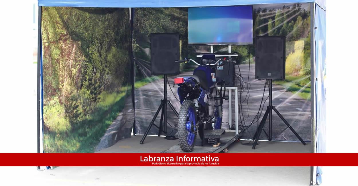 A través de simulador, Secretaría de Movilidad de Cundinamarca lleva pedagogía vial a los municipios